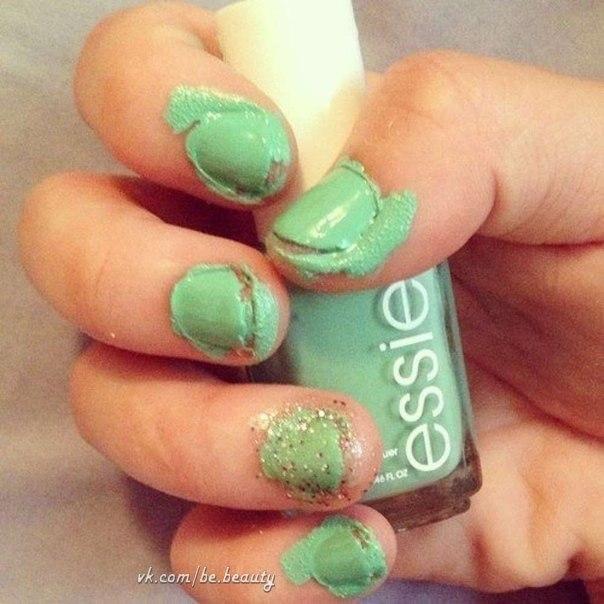 Как можно красиво накрасить ногти дома: советы и идеи с фото