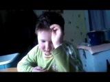 Мальчик учит стих !  не описайтесь!