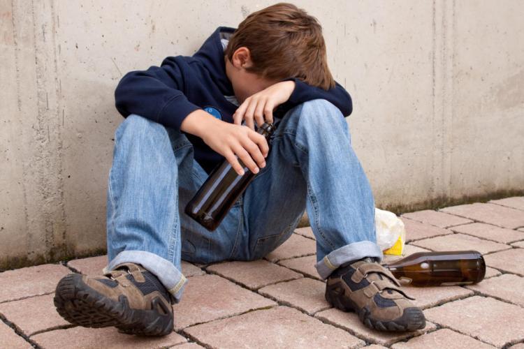 """12-летний шестиклассник попал в больницу с диагнозом """"алкогольное отравление"""""""