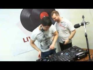 Livestudio 98.3fm@Timer_broadcasting_LIVE 6.03.14