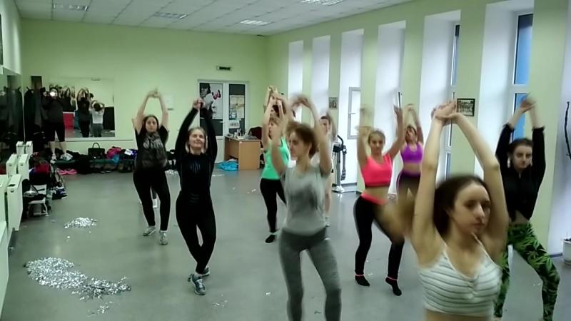 старшая группа Golden Ladies Cheer Dance Show