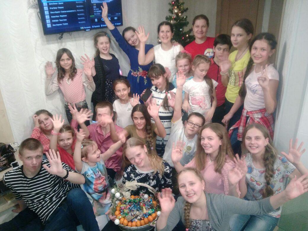 Учащиеся детской воскресной школы отмечают святки