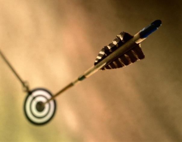 12 мотивирующих цитат для достижения любых целей 1. В жизни преуспевают те, кто не боится мечтать о чем-то великом и затем рисковать ради воплощения своих видений. 2. Когда ты уже готов сдаться, ты ближе к цели, чем ты думаешь. 3. Зачем откладывать свое величие на потом? Зачем ждать лучшего времени для воплощения ваших грез и тех прекрасных возможностей, которые открывает перед вами жизнь? Почему бы не сделать первый шаг уже сегодня? 4. Все, о чем вы думаете, воплощается. 5. Следуй своей…