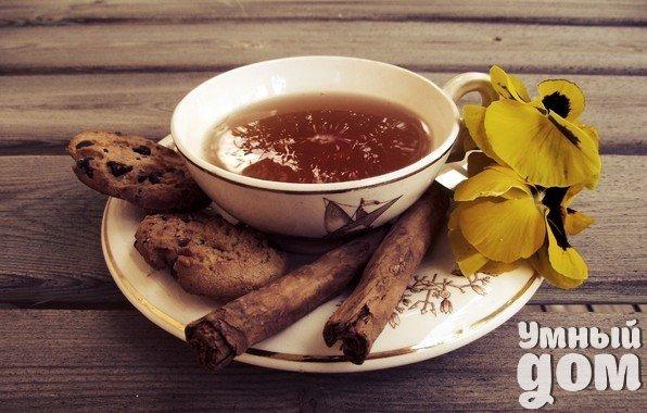 Что не следует делать, заваривая чай? Вы любите чай? Вы умеете правильно его заваривать и употреблять? Тогда эта статья не для вас. Я хочу поговорить об ошибках, которые некоторые из нас делают, пытаясь приготовить этот вкусный и полезный напиток. Чай, несомненно, полезен для организма. Зеленый и черный чай содержат группу антиоксидантов – катехинов. Они «противостоят» в нашем организме свободным радикалам – нестабильным молекулам, которые атакуют клетки и повреждают важные клеточные…