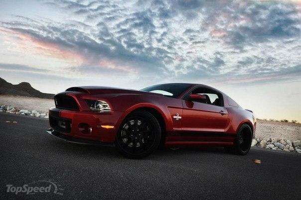 Ford Mustang Shelby GT500 Super Snake Widebody Объём: 5.8L Мощность: 850 л.с. Крутящий момент: 1080 Нм Привод: Задний Время разгона до 100 км/ч: 3.7 сек Максимальная скорость: 330 км/ч Масса: 1750 кг