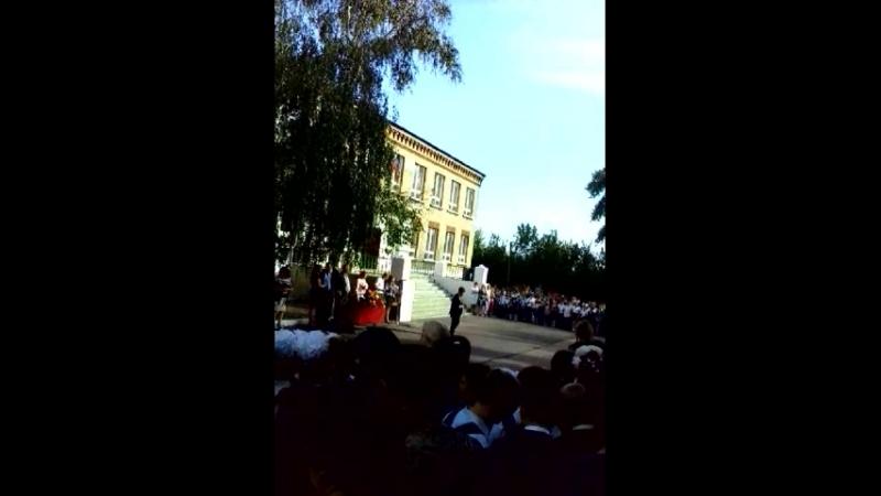 праздник Первый звонок в ОШ 42 и ОШ 15 Никитовка-Зайцево
