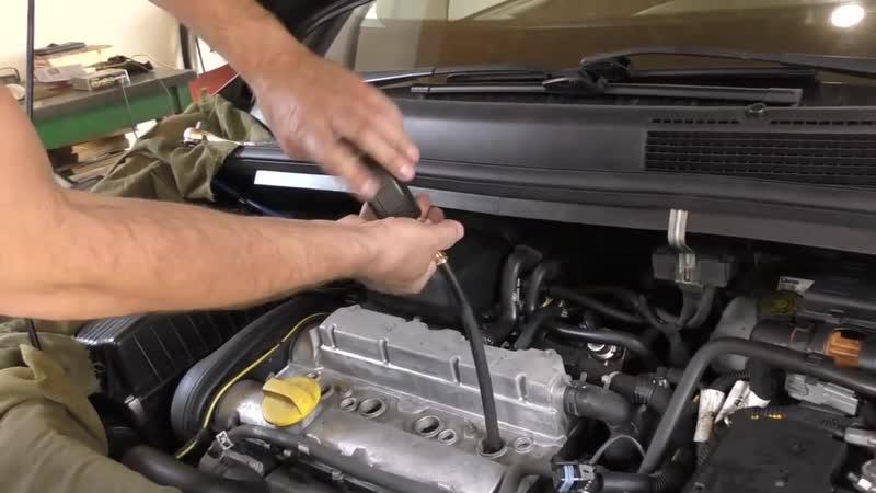 Дымит двигатель .Opel Zafira. Поршневая или сальники клапанов