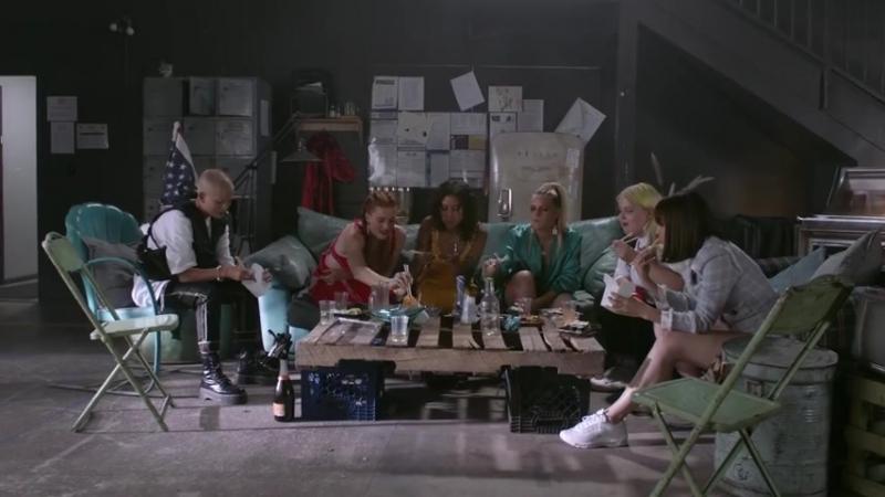 Tove_Lo_-_bitches_ft._Charli_XCX,_Icona_.mp4