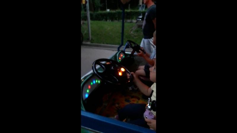 на паравозике в парке Динамо
