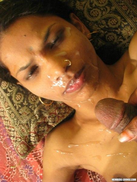 indianka-soset-i-trahaetsya