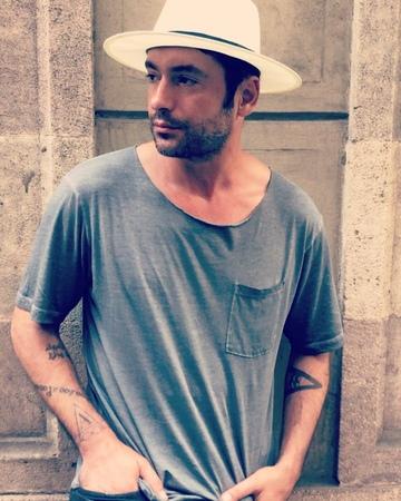 "Radu Valcan on Instagram Mai baiatule vezi ca esti penibil 😬😎🤓 cinenusesimtesasesimta sanerelaxamputin 😉"""