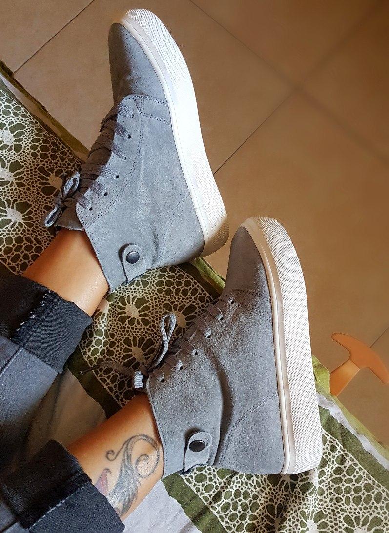 Ботиночки со шнуровкой на плоской массивной подошве из магазина Alices Cosy Life Store