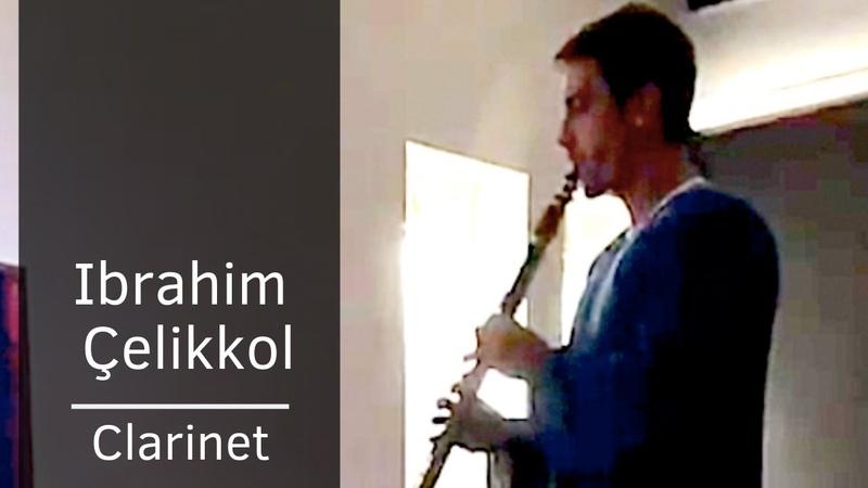 Ibrahim Celikkol ❖ Playing Clarinet along with music from Siyah Beyaz Ask