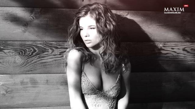 Miss MAXIM 2017 • Анна Федотова - финалистка в огнеопасной фотосессии с дровами