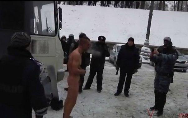 porno-video-konchayut-tolpoy-vnutr