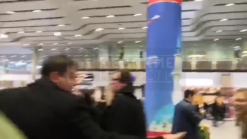 В «Пулково» Кори Тейлора встречали 30 фанатов