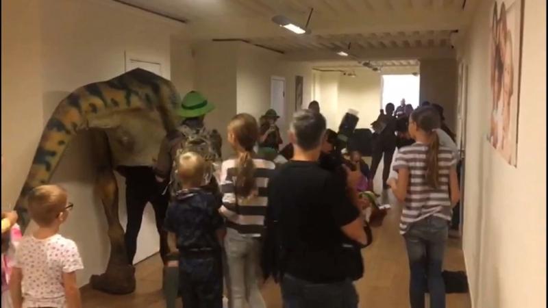 Динозавр в клинике