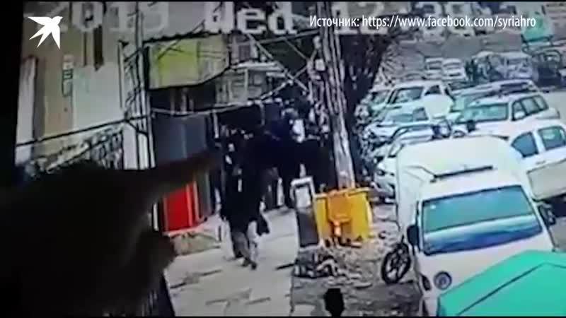 Момент взрыва в сирийском Манбидже.