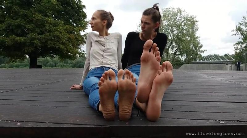 Hania 45 EU size big feet Compare Grace feet size 40 EU