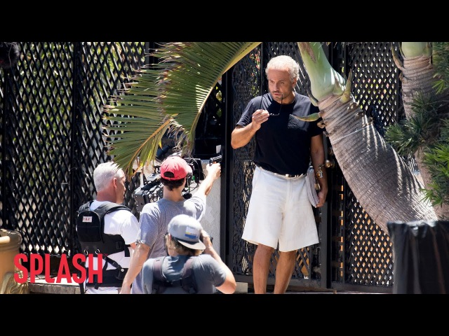 'American Crime Story' Reenacts the Murder of Gianni Versace | Splash News TV