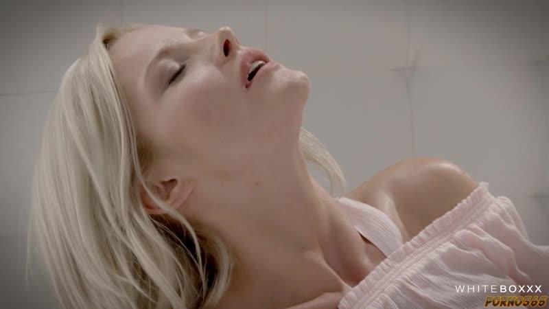 Видео лесбийского секса пары очаровательных блондинок для