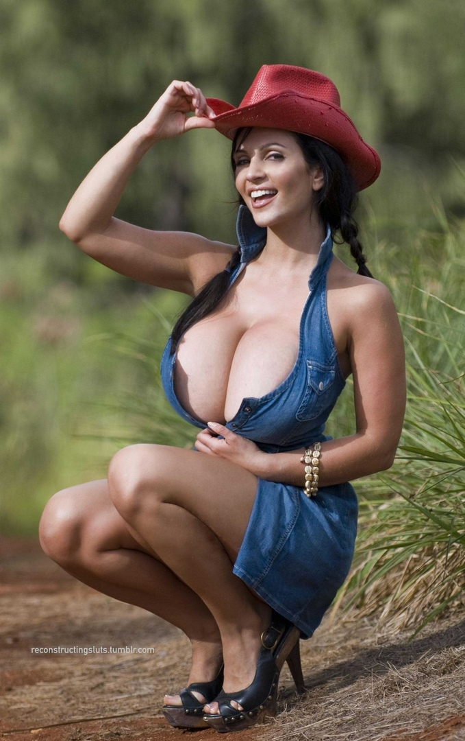 Outstanding hawt body large boobed wicked
