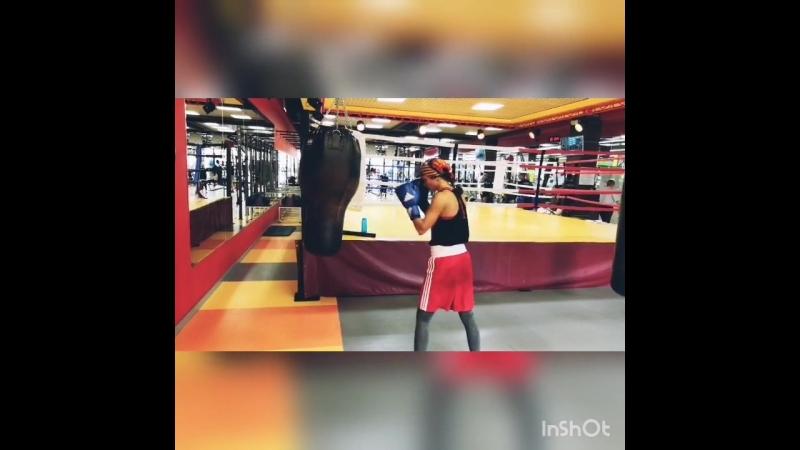 Тренировка КМС по боксу Айгуль Мирзаевой (тренер К. Москвин, МСМК по кикбоксингу)