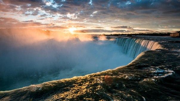 Ниагарский водопад на рассвете, Канада. Автор фото: Сергей Пестерев