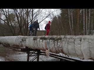 Два года новосибирские школьники ходят в школу по теплотрассе