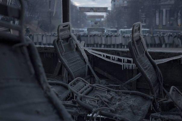 Автобуси підпалені і обледеніли