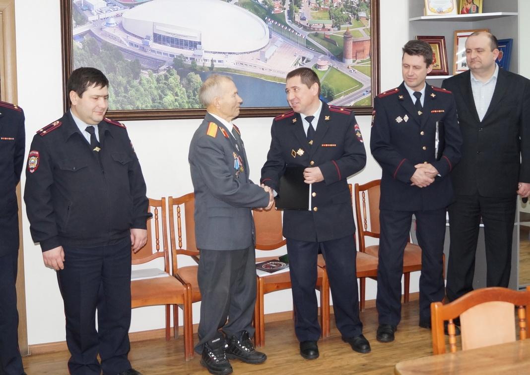 В УМВД по Коломенскому городскому округу поздравили ветерана с юбилеем