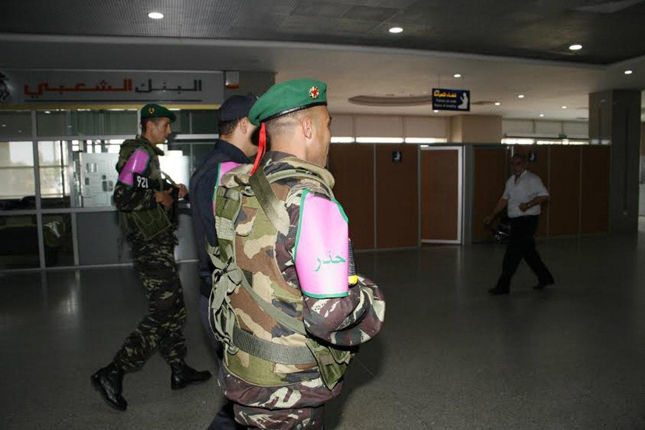 Photos de nos soldats et des Bases Marocaines - Page 2 CAtWdp19o7E