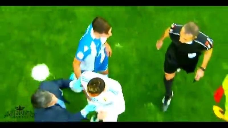 Криштиану Роналду разбили лицо,но он забил гол.