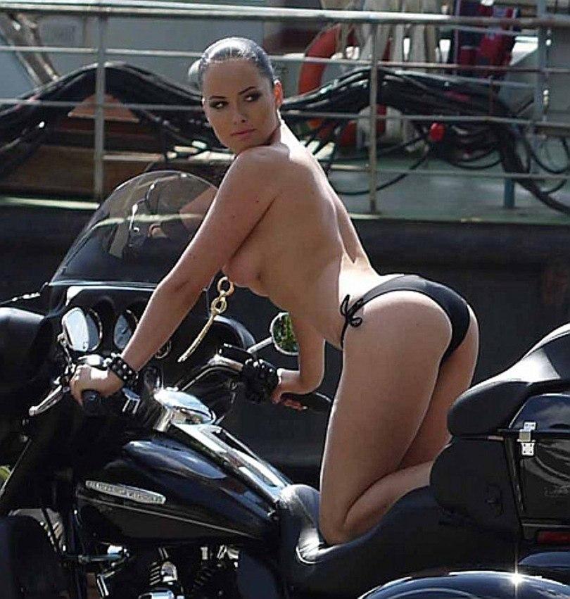 Даша Астафьева снялась для мужского XXL (ФОТО) .