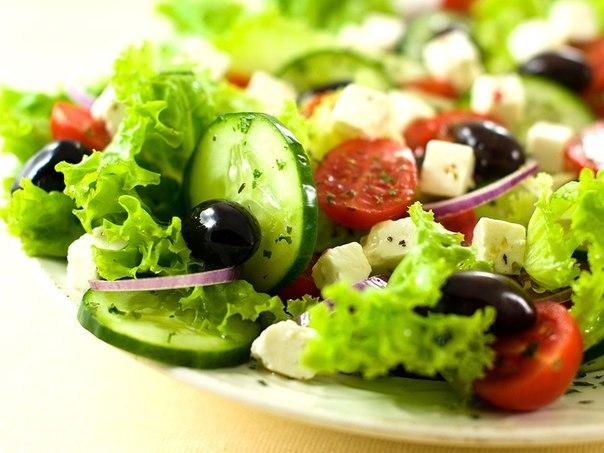 Ищете рецепты вкусных салатов? Мы собрали для вас огромную коллекцию вкусных и легких рецептов с фото со всего мира