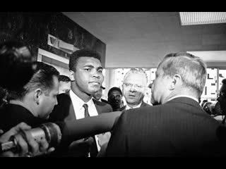Мохаммед али в суде после отказа от призыва на военную службу, 1967 год.