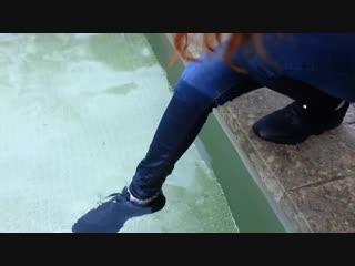 Wetlook - Kristen in pool with black sneak_001.mp4