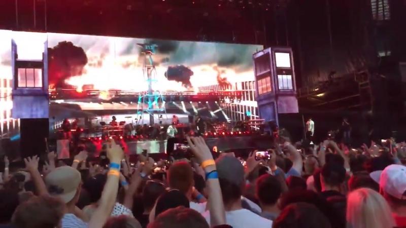 Eminem 2 Chainz - Chloraseptic (Remix) (Live at Twickenham, London, July 14, 2018)