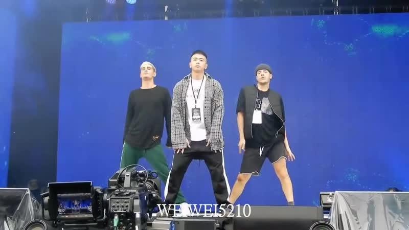 NZXs boys репетиция [新北市歡樂耶誕城] 16 декабря 2018