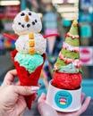 Мороженое зимой кажется особенно вкусным!