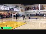 Стефен Карри и Стив Нэш разыгрывают футбольно-баскетбольую комбинацию