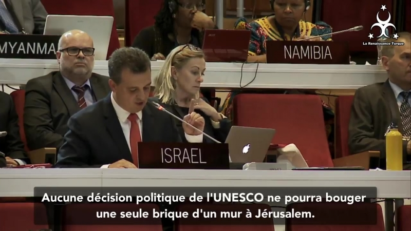 Une diplomate Cubaine au bord des larmes humilie un diplomate Israélien à l'
