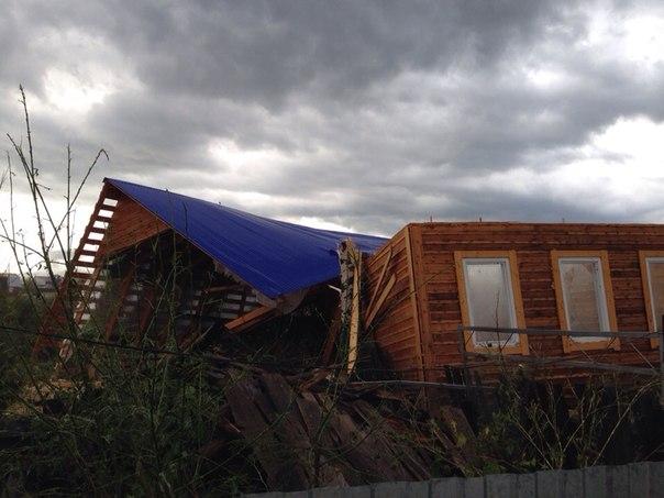 Ураган в Чайковском 17 августа 2014 год.  Крыши домов слетели, д.  Гаревая
