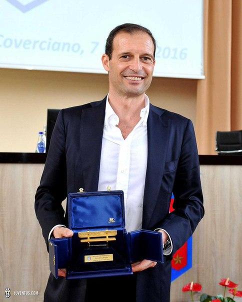Аллегри второй раз в карьере получил приз лучшему итальянскому тренеру.