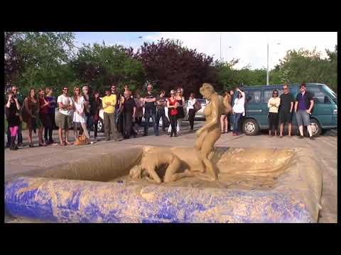 Girls Mud Wrestling: Turkish HardyBoy