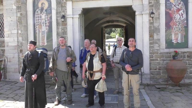 Паломники в Андреевском монастыре