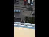 Кидают бычки из окна. ЖК Матрёшкин двор.