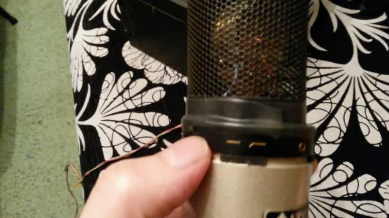 Починил микрофон конденсаторный alto ACM2S экранная сетка из ссср ножницы и мои часы на стене