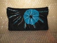 Женские сумки ручной работы.  Клатч валяный из натуральной шерсти.