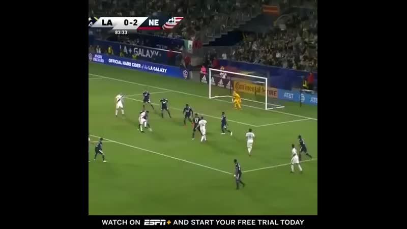 Ибра забил очередной красивый гол в MLS